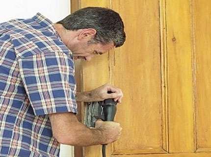Ремонт деревянных дверей – как подарить им вторую жизнь?