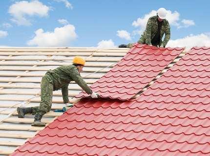 Строительство крыши из металлочерепицы – аккуратность на каждом этапе работ