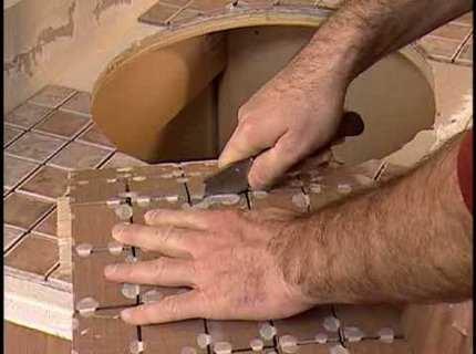 Узнаем, как класть мозаичную плитку своими руками