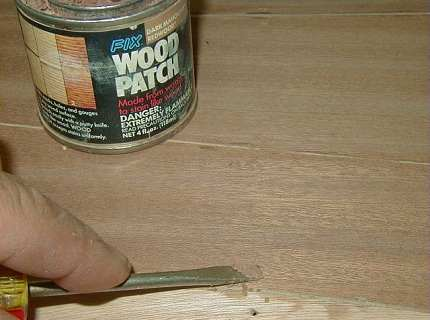 Акриловая шпаклевка – как вернуть деревянному покрытию «молодость»?