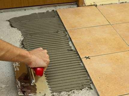 Как выбрать оптимальный состав клея для плитки?