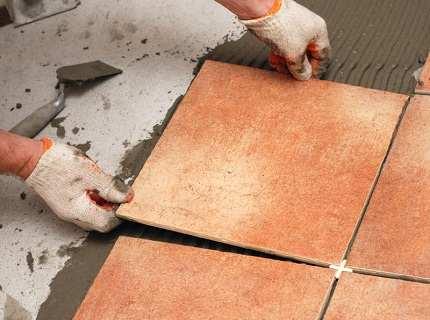 Клей для напольной плитки – советы по выбору
