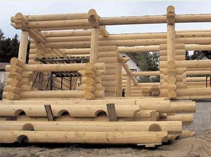 Строительство домов из оцилиндрованного бревна – надежное жилье с минимумом усилий