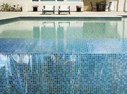 Плитка для бассейна – почему мы выделяем ее отдельным видом?