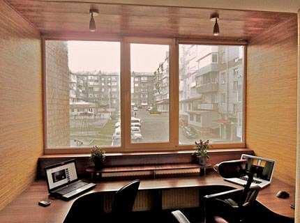 Рабочий кабинет на балконе и в других уголках жилплощади