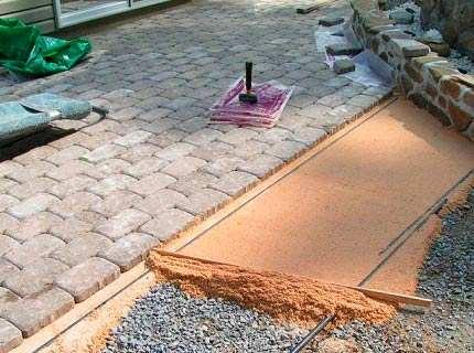 Какие существуют способы укладки тротуарной плитки?