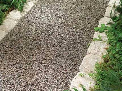 Дорожки из гравия – украшаем сад с минимальными затратами