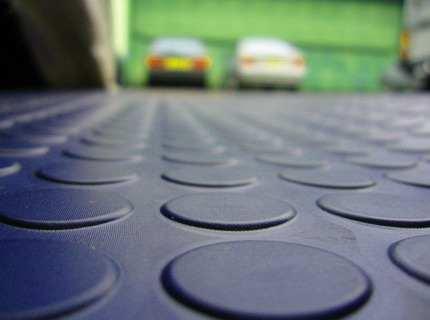 Плитка для гаража напольная – сравниваем и ищем оптимальный вариант